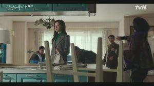 Seo Ji Hye's bag in 'Crash landing on you', Delvaux Brillant